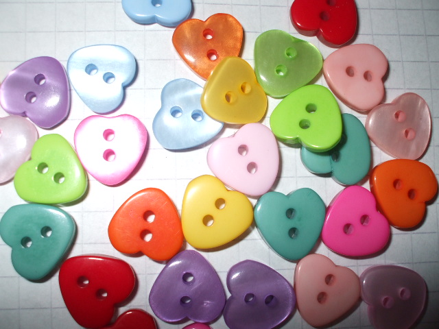 30 x Heart Shaped Buttons choice of colour